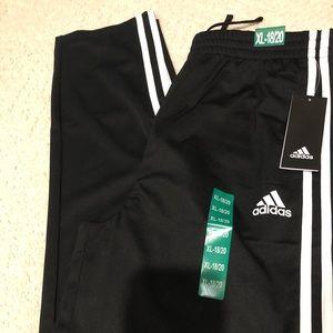 Adidas pants size XL-18/20